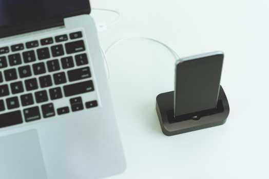 SS-iPhone-Docks-2